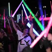USA: See mass Star Wars lightsaber fight in NYC