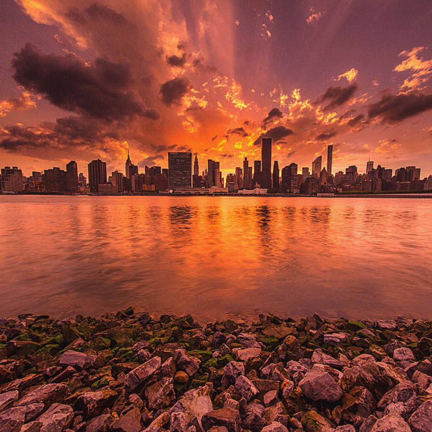 • Post Apocalypse Part 1 •  I think anyone that was in NYC last night would have seen the eruption of colour at sunset after the storm past which gave way to a phenomenal sight! This was shot in the early stages of the sunset, and my next few photos will show how it changed! Shooting with @bbsinghphotos @mjinnyc @misshattan and @arin.nyc last night 😊💙