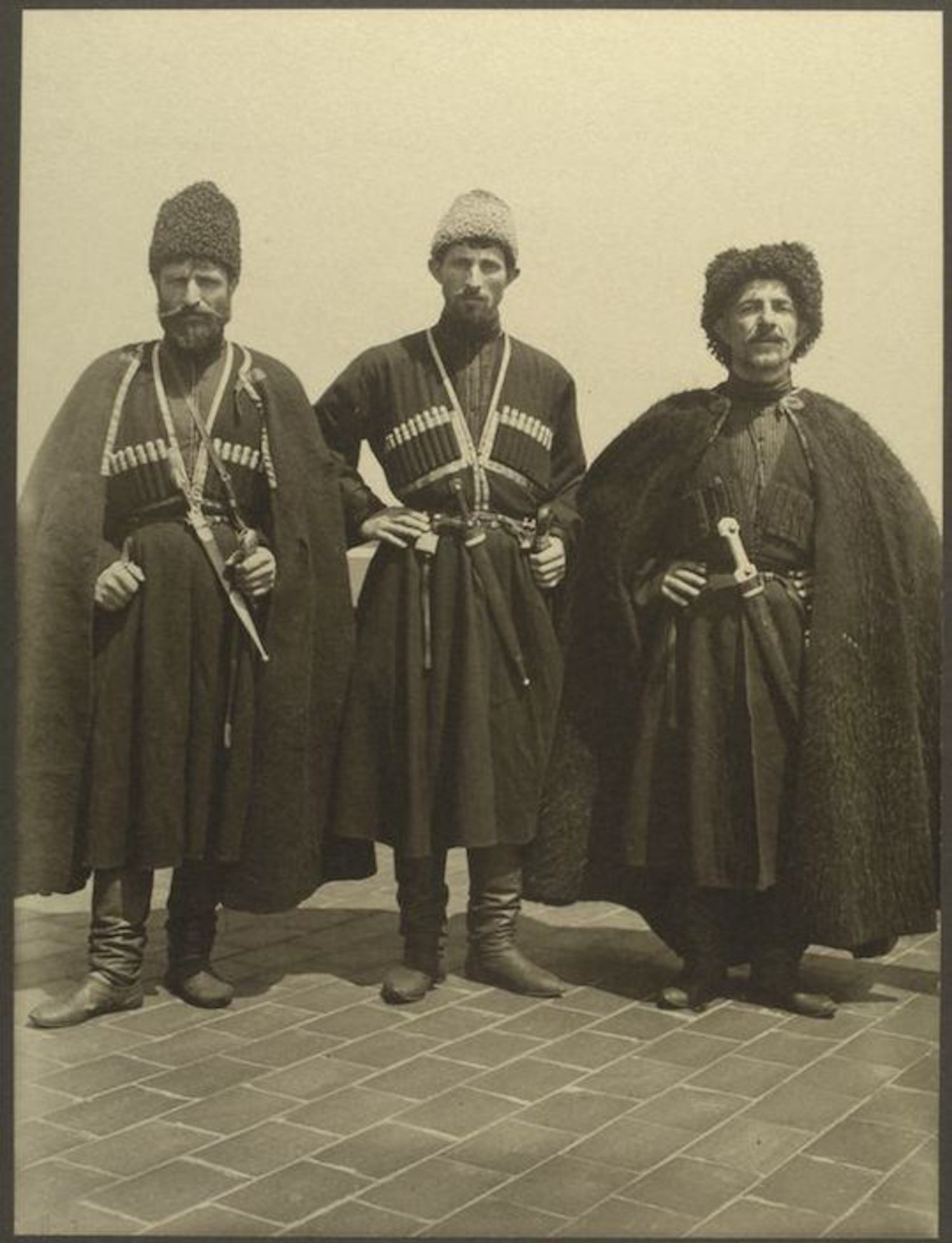 Men from the Russian Empire. Portraits for Ellis Island.