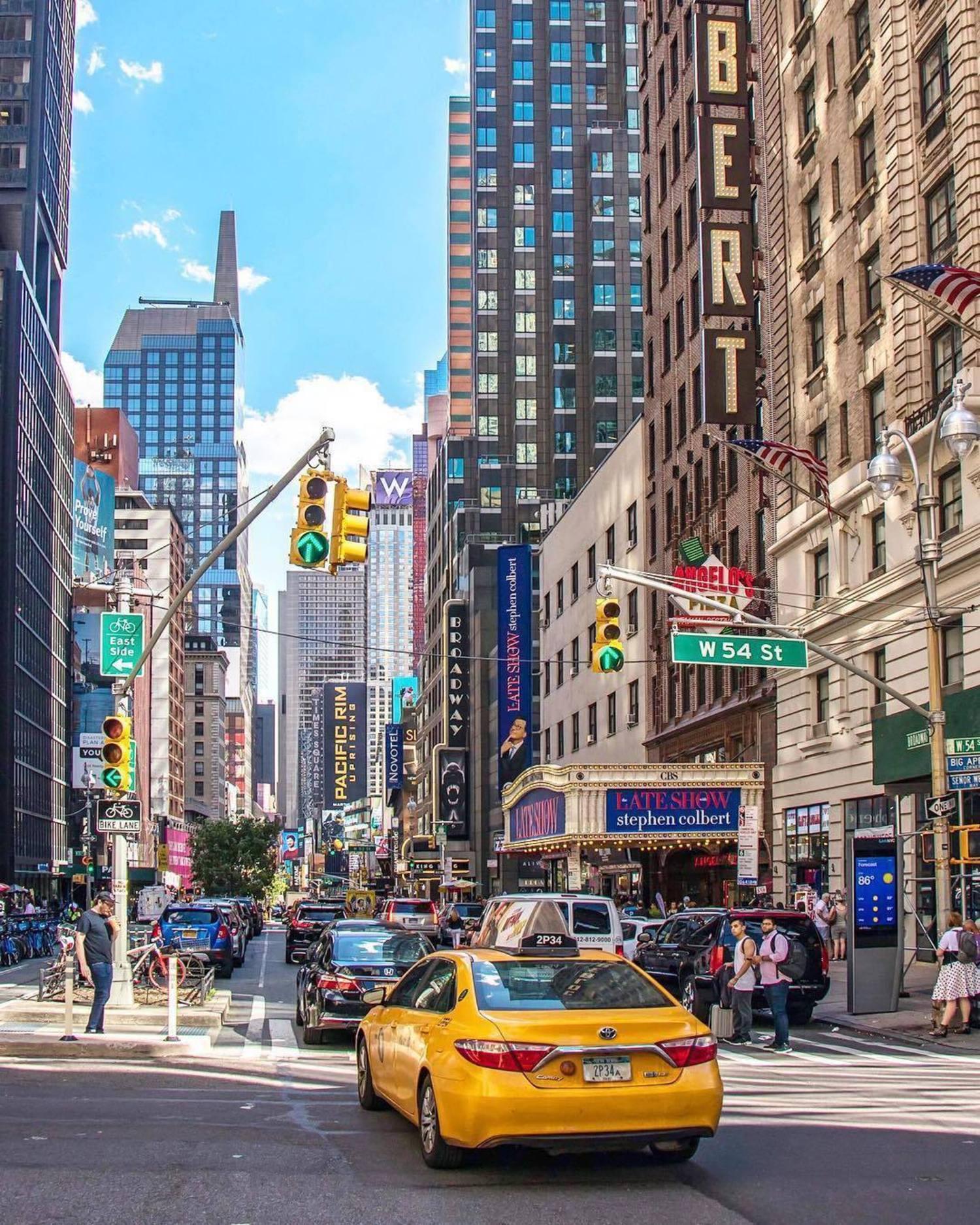 Midtown, Manhattan. Photo via @newyorkcitykopp #viewingnyc #newyork #newyorkcity #nyc