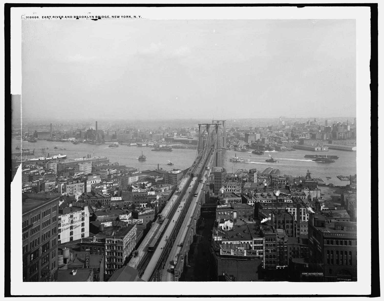 East River and Brooklyn Bridge, 1900