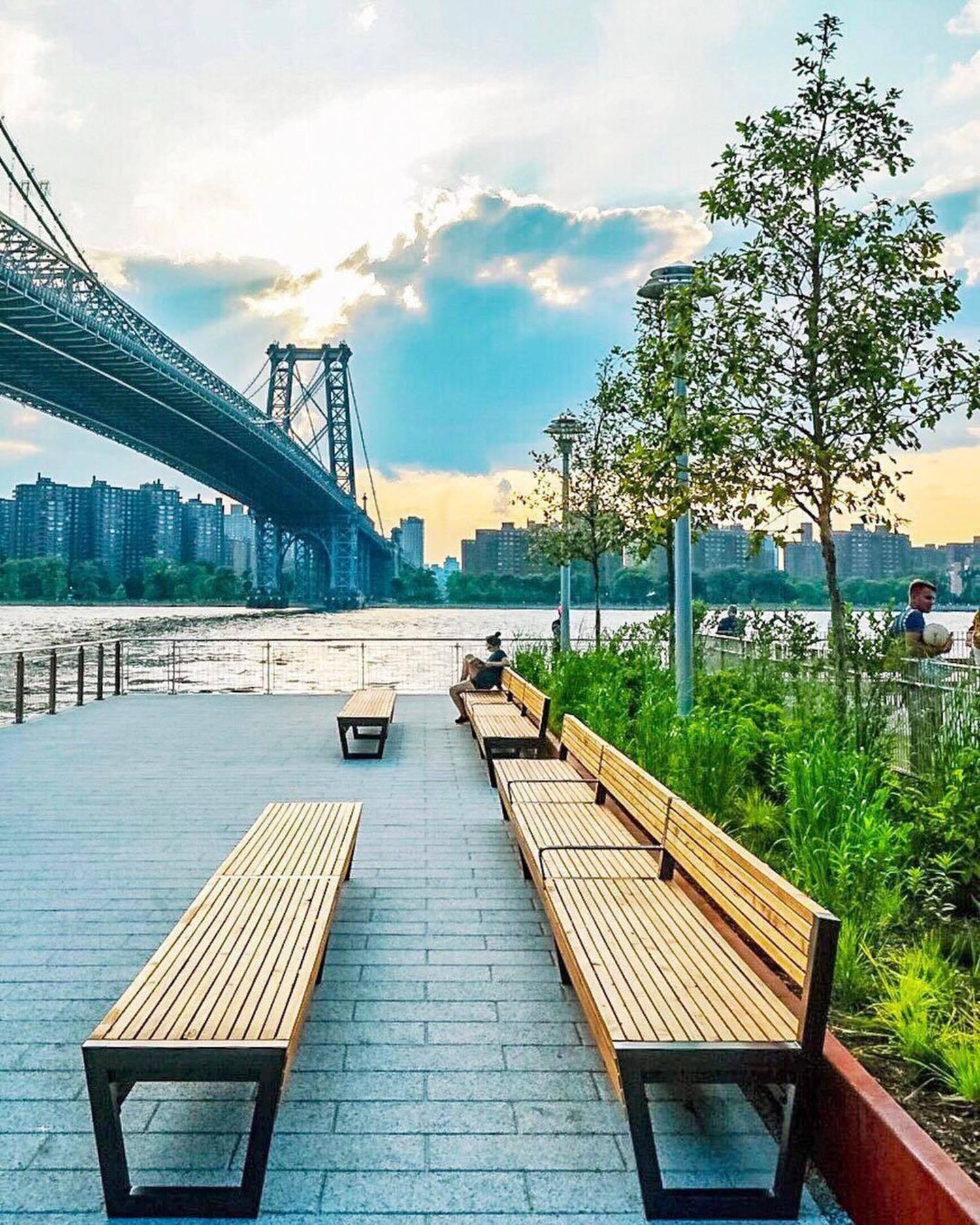 Domino Park, Brooklyn. Photo via @ctg125 #viewingnyc #newyork #newyorkcity #nyc #dominopark #williamsburgbridge