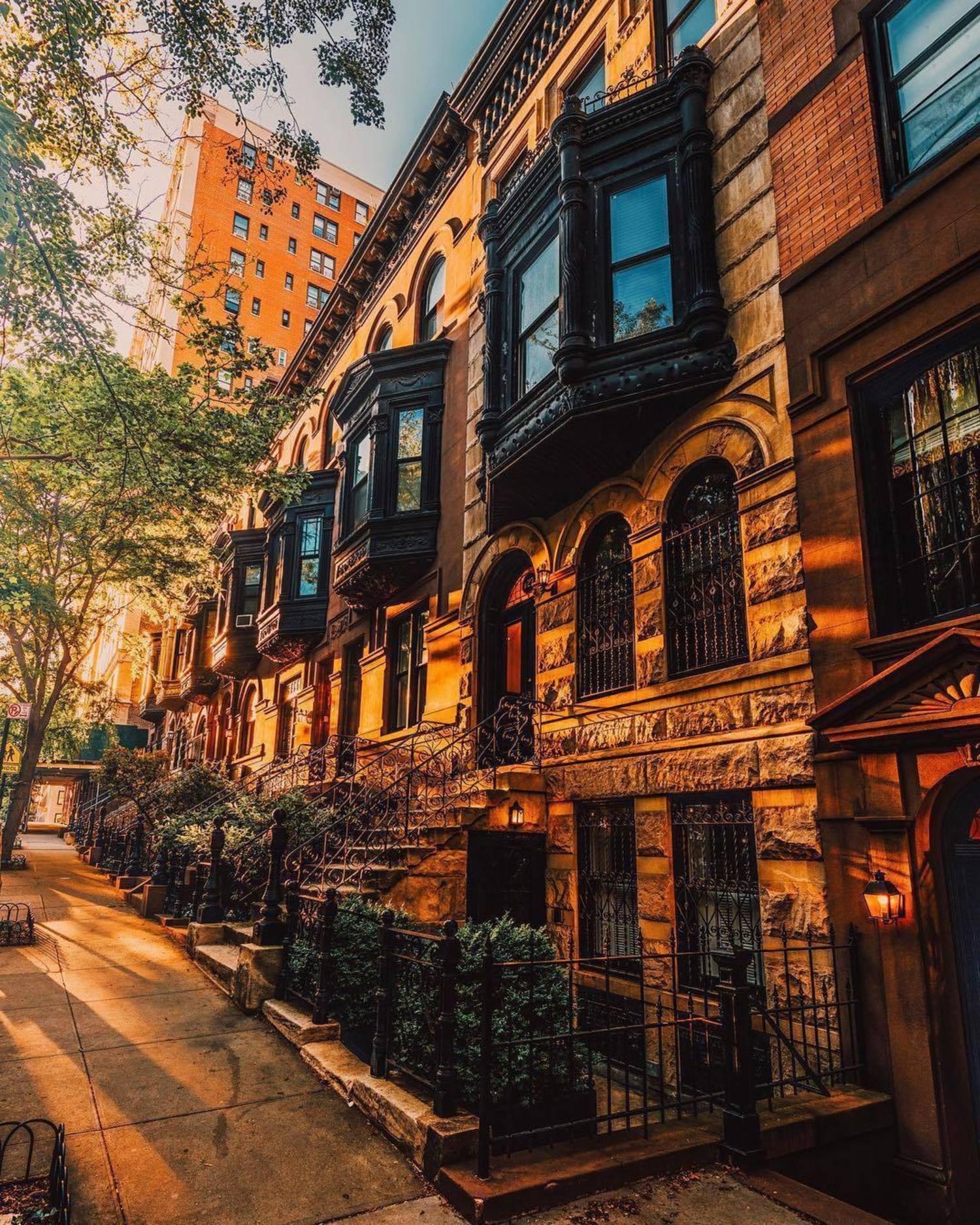 Upper East Side, Manhattan. Photo via @mc_gutty #viewingnyc #newyork #newyorkcity #nyc