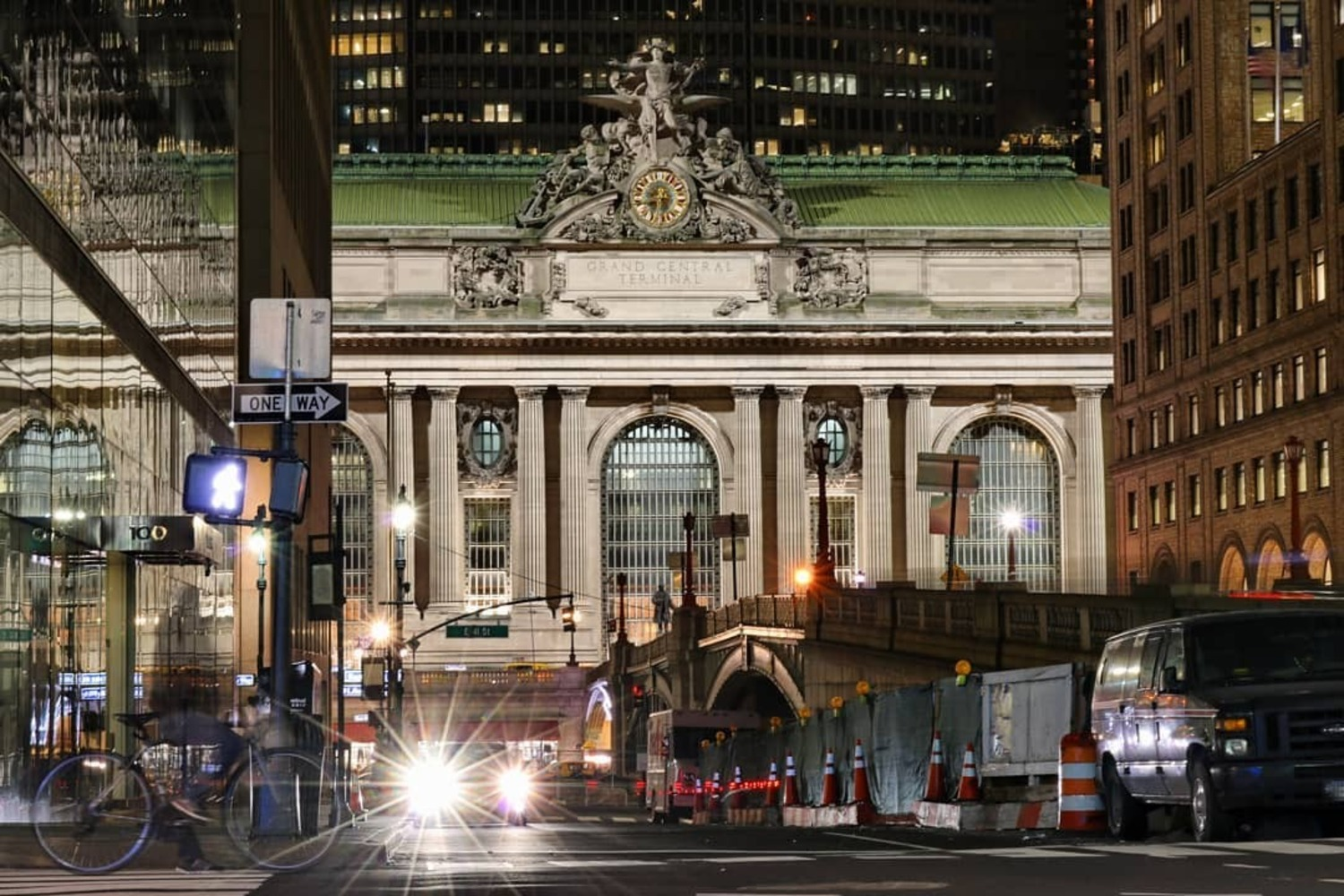 Grand Central Terminal from 40th and Park