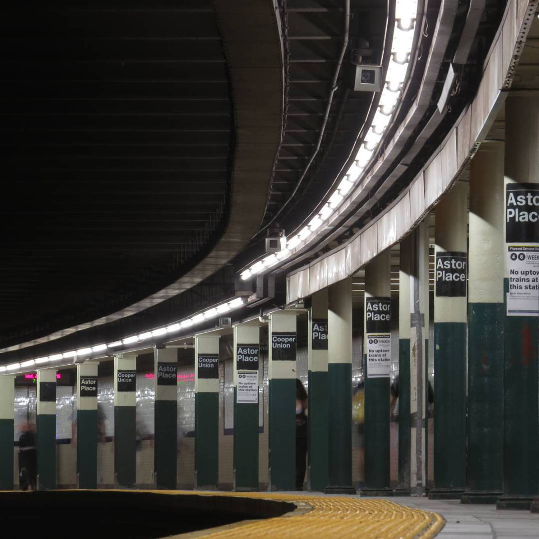 curve  06/22/2016  #eastvillage #curve #nycsubway #transit #nyctransit #train #subway #railway #railfan #instagramnyc #nyc_explorers #what_i_saw_in_nyc #ig_nycity #nycprimeshot #newyork_ig #abc7ny #nbc4ny #cityscape #usaprimeshot #nydngram #fox5ny #timeoutnewyork #seeyourcity #iloveny #nycdotgram #newyork_instagram #icapture_nyc #njshooterz #yourshot #yourtake