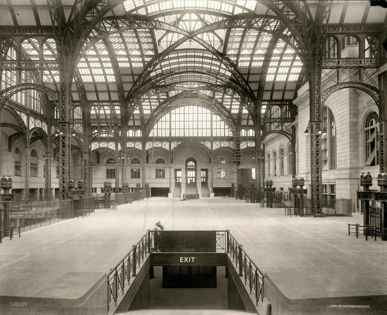 Interior of the original Pennsylvania Station's Main Concourse, ca. 1910