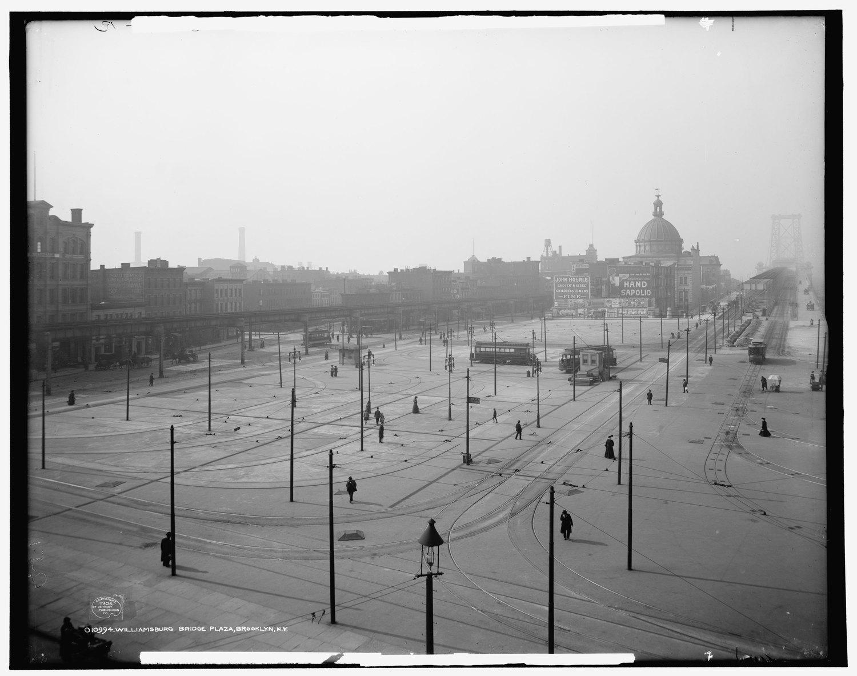 Williamsburg Bridge Plaza, Brooklyn, 1906.