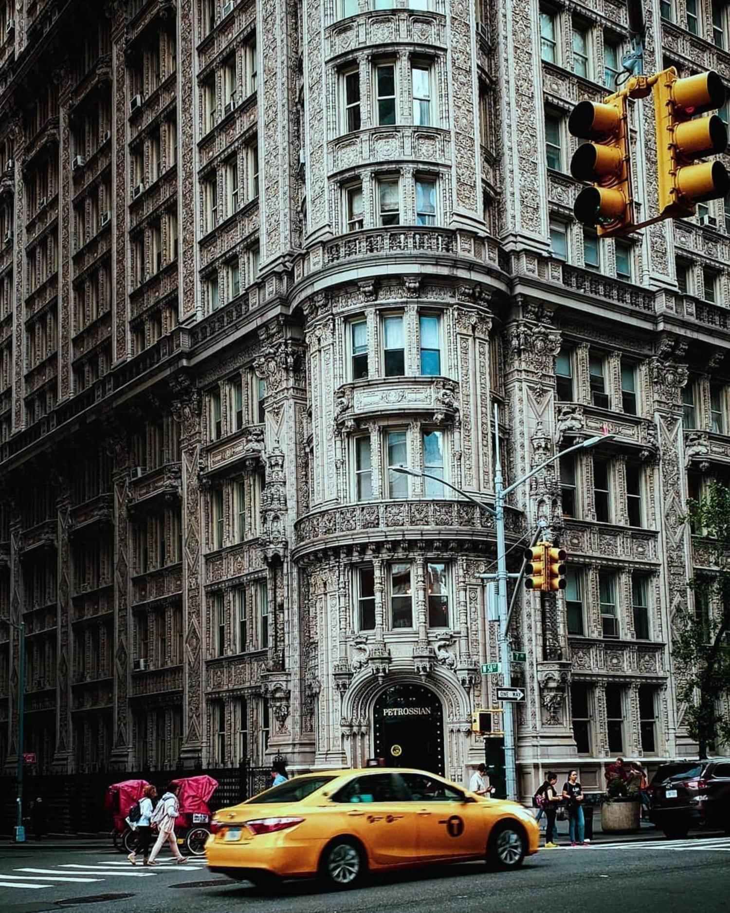 Alwyn Court, Midtown, Manhattan. Photo via @m_bautista #viewingnyc #newyork #newyorkcity #nyc #alwyncourt
