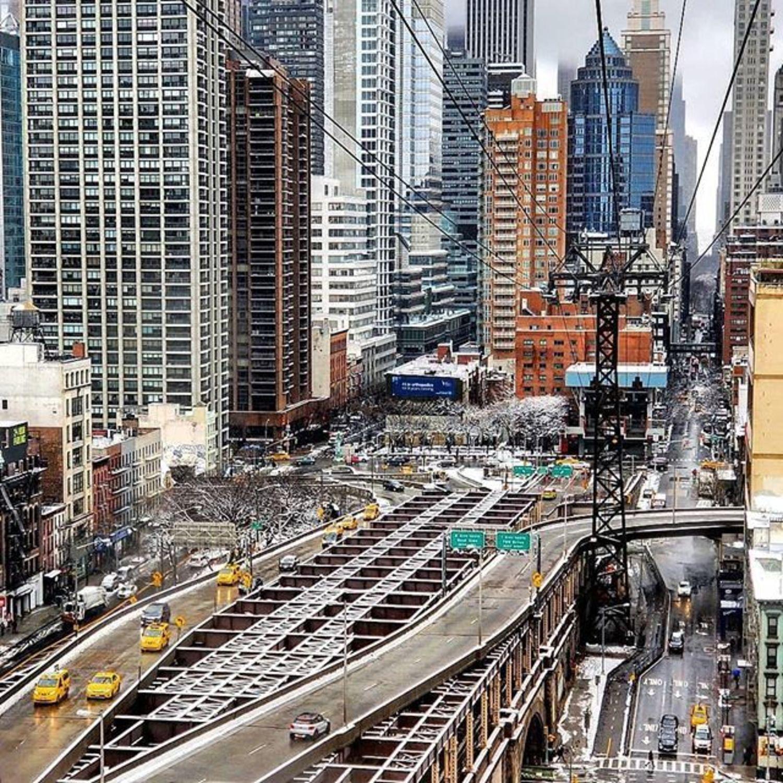 Queensboro Bridge, Manhattan. Photo via @qwqw7575 #viewingnyc #newyork #newyorkcity #nyc