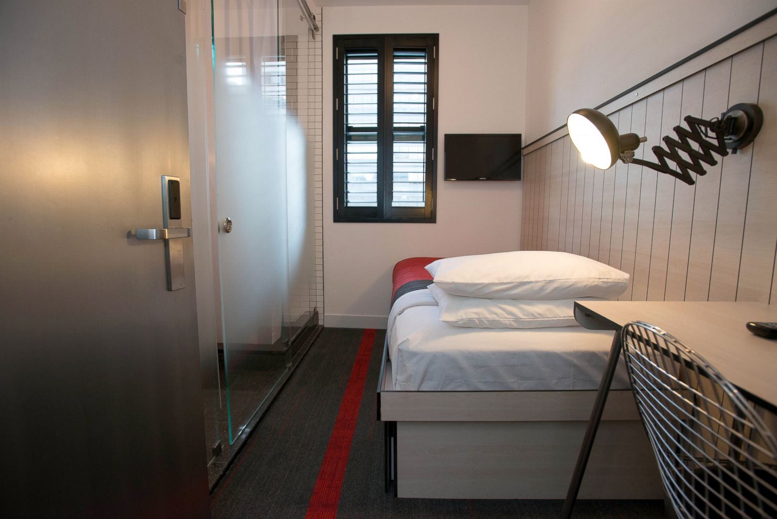 the smallest hotel rooms in new york city according to. Black Bedroom Furniture Sets. Home Design Ideas