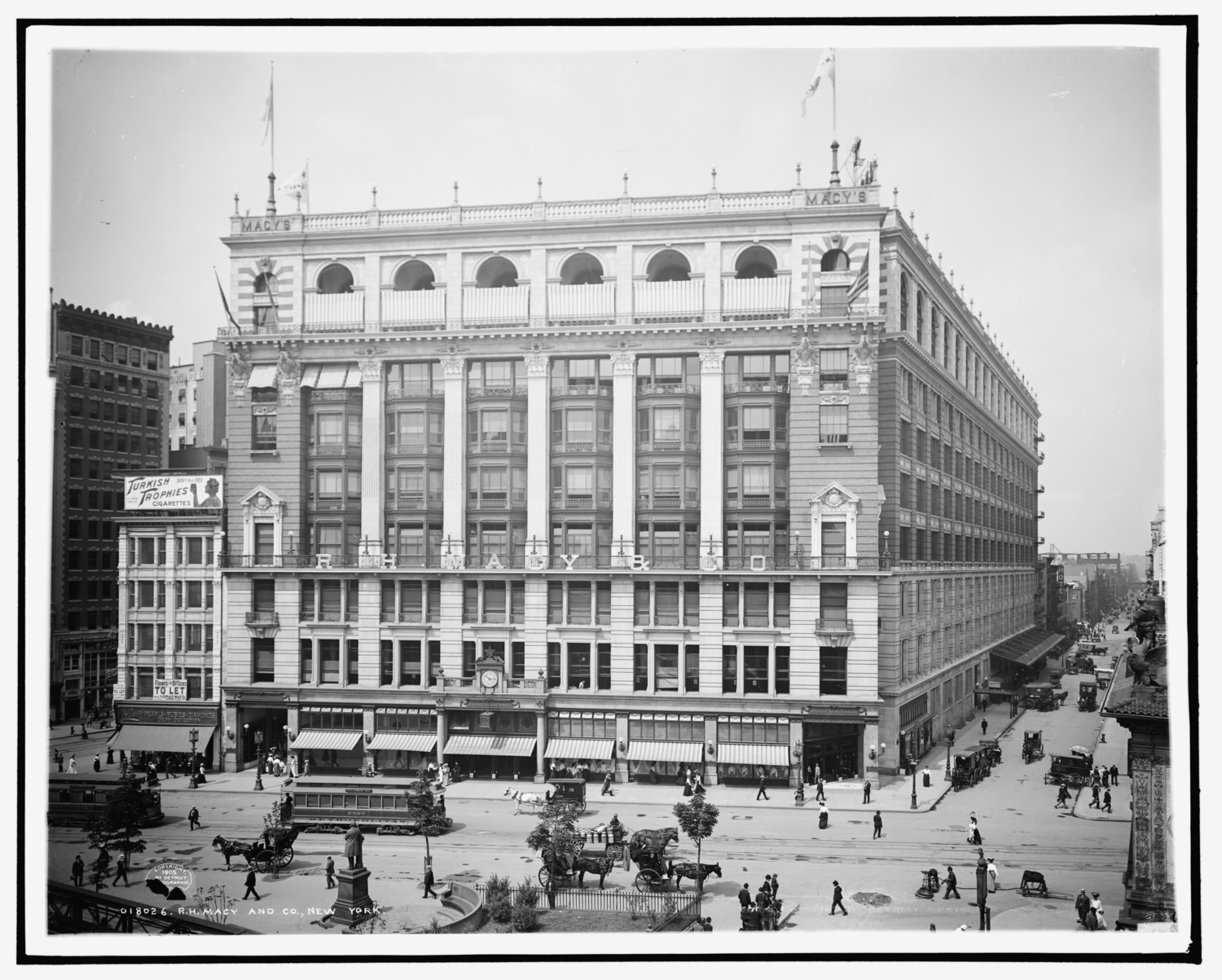 R.H. Macy and Co., New York, ca. 1905
