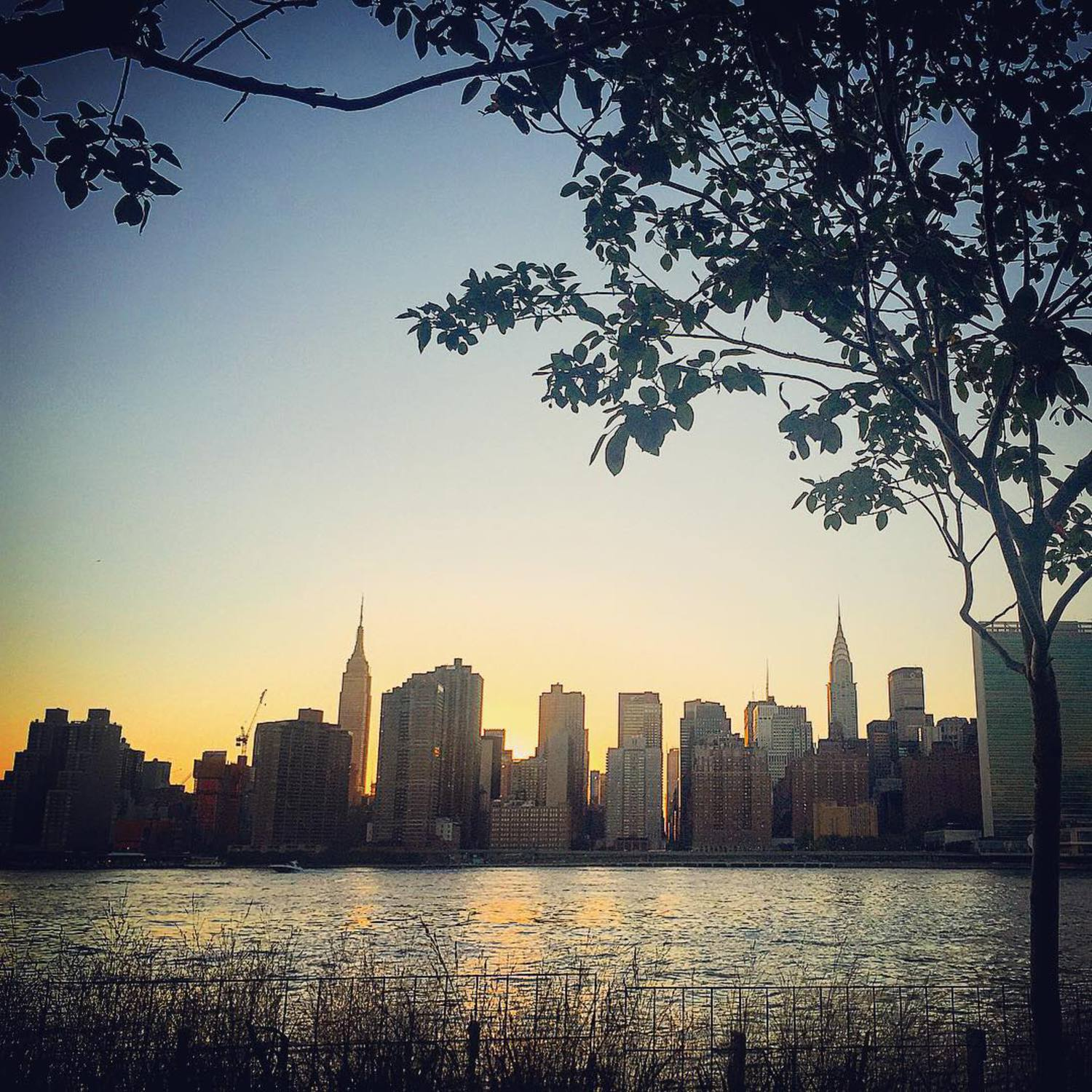 Rise and shine, New York! 🌇 #NYC #MidtownManhattan #CityViews #Sunrise #NYCSunrise #ILoveMyCity #PlaceICallHome