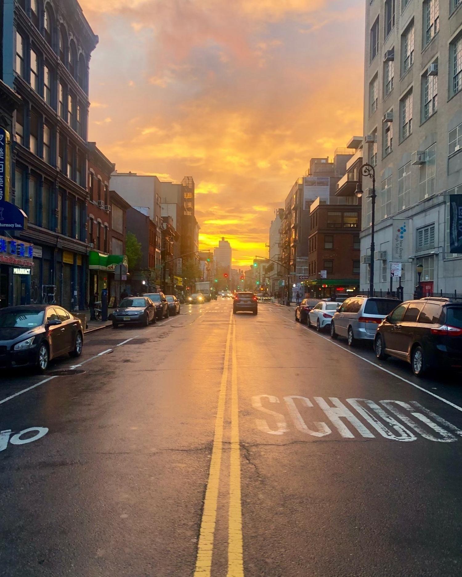 Sunset in Chinatown, Manhattan. Photo via @coneybeare #viewingnyc #nyc #newyork #newyorkcity #sunset