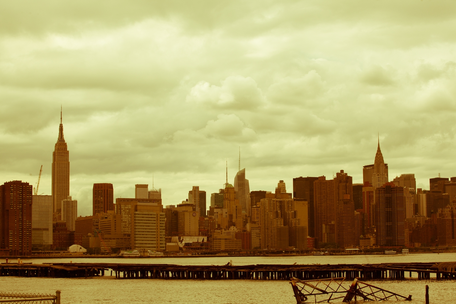 Yellowpoint Brooklyn | Captured from the piers in Greenpoint, Brooklyn in New York City, NY.