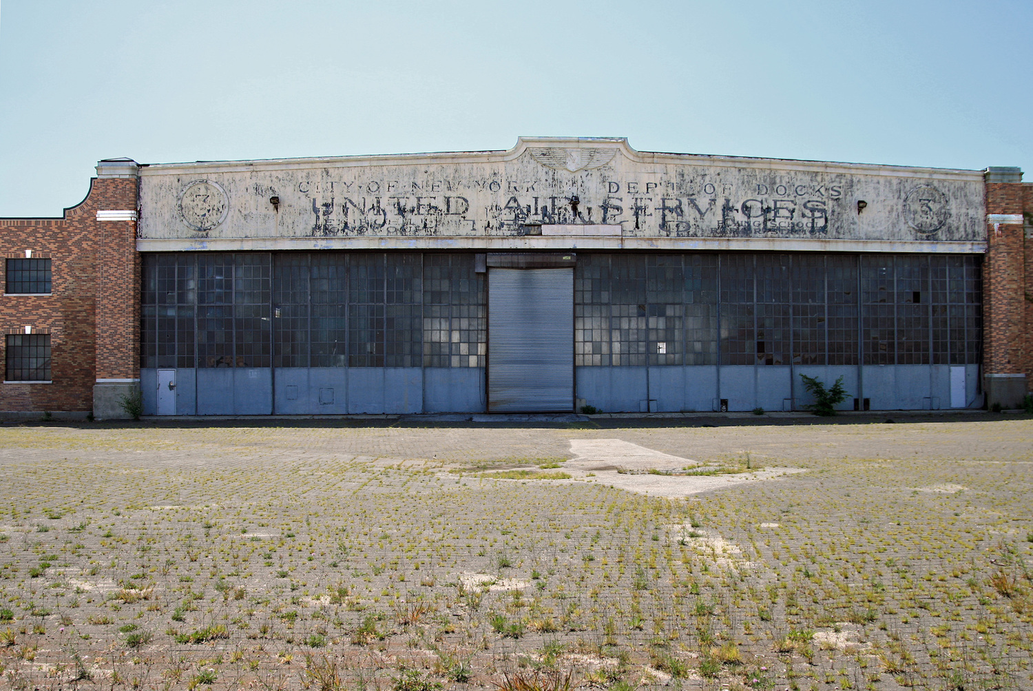 Floyd Bennett Field - United Air Services | This Depression-Era building is but a shadow of its former glorious self - or selves.