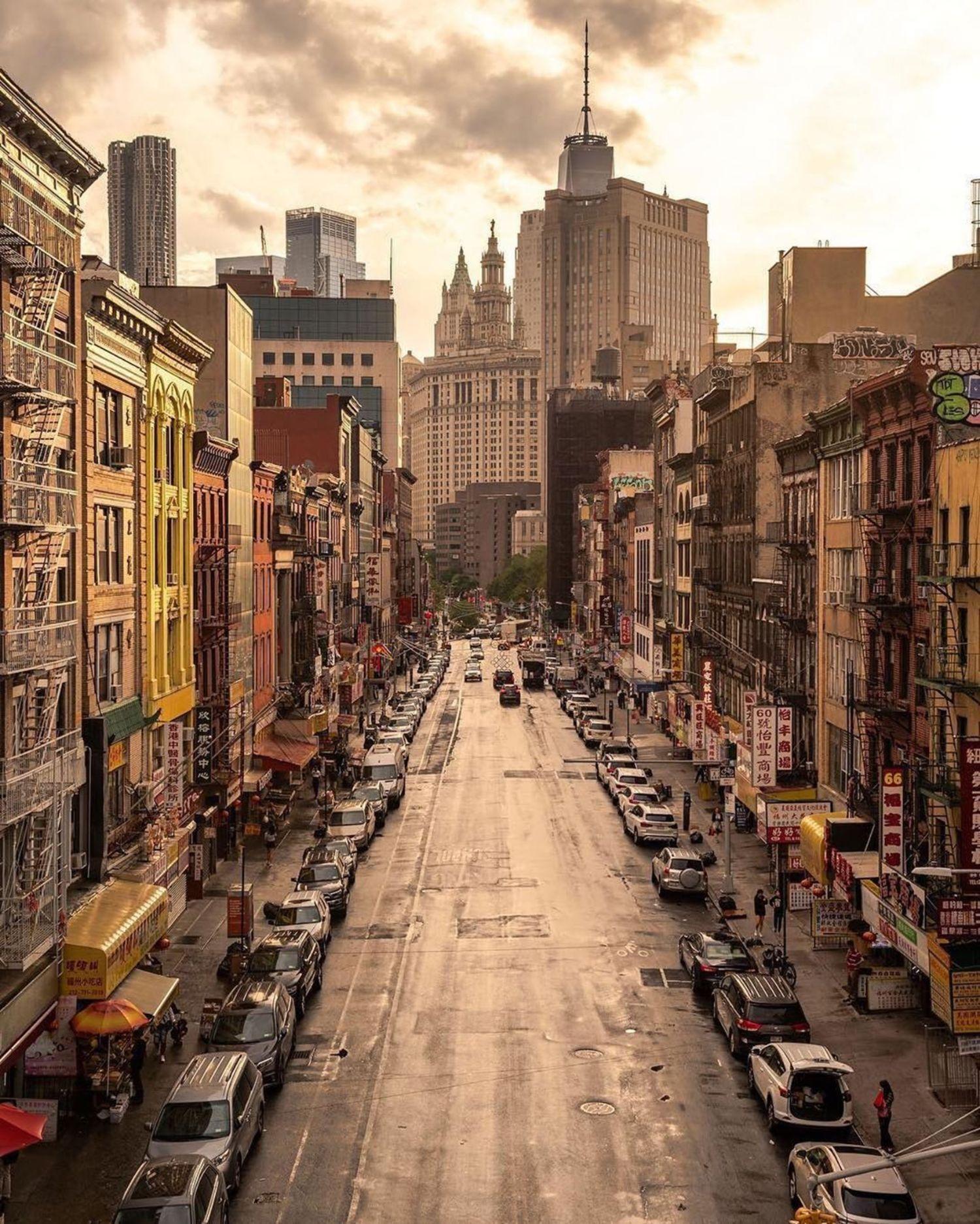 East Broadway, Chinatown, Manhattan.