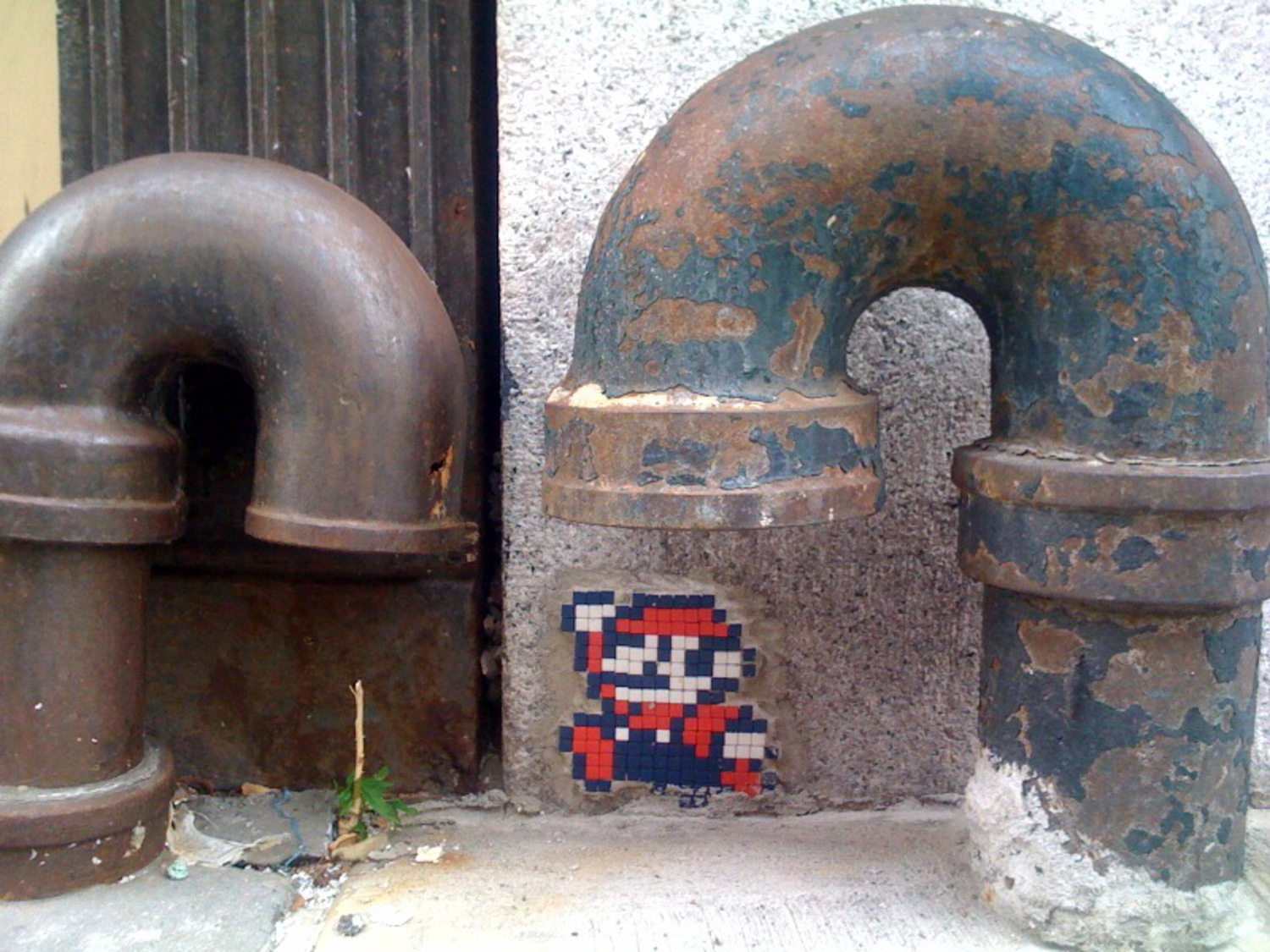 "New Mario Space Invader mural on our block | 500 block of 23rd Street, NYC. (<a href=""http://www.flickr.com/photos/moth/map/?photo=3769731824&zl=1"">map</a>)"