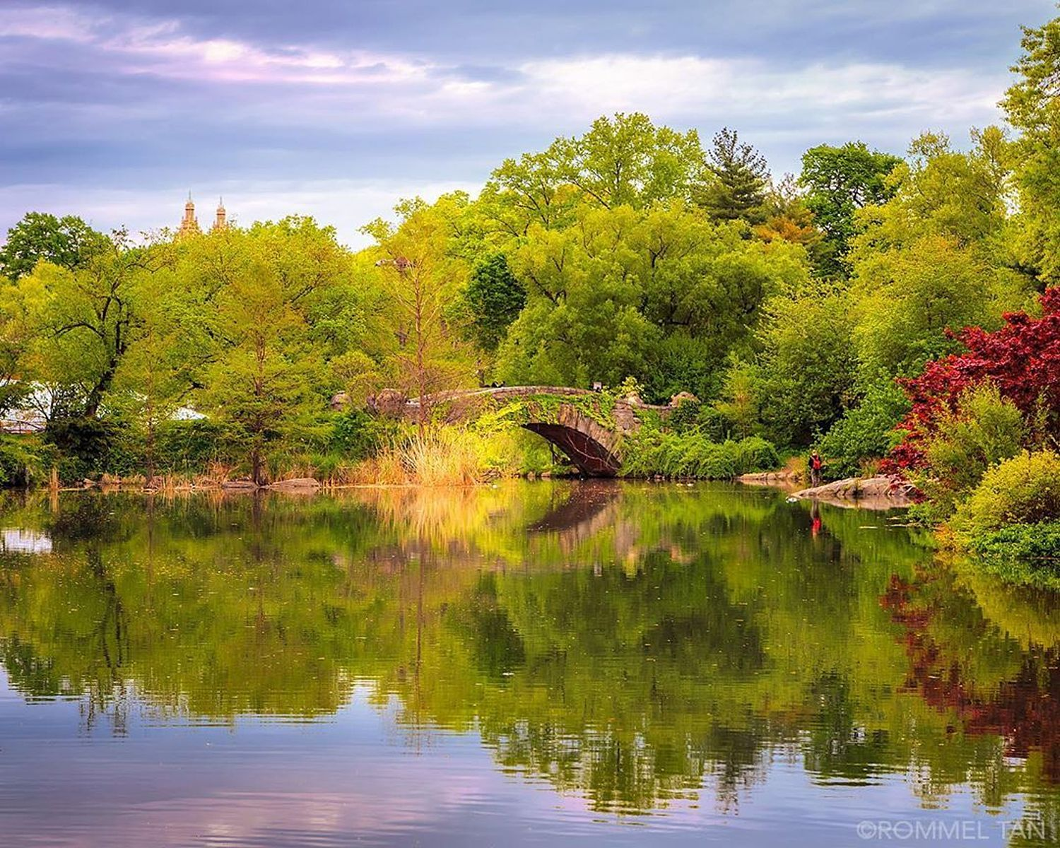 Gapstow Bridge at The Pond in Central Park, New York City