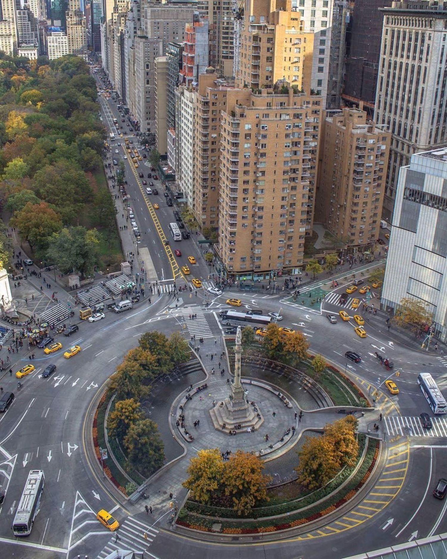 Columbus Circle, Manhattan. Photo via @newyorkcitykopp #viewingnyc #nyc #newyork #newyorkcity #columbuscircle