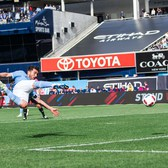 GOAL | David Villa scores from Andrea Pirlo's corner kick | NYC vs. VAN