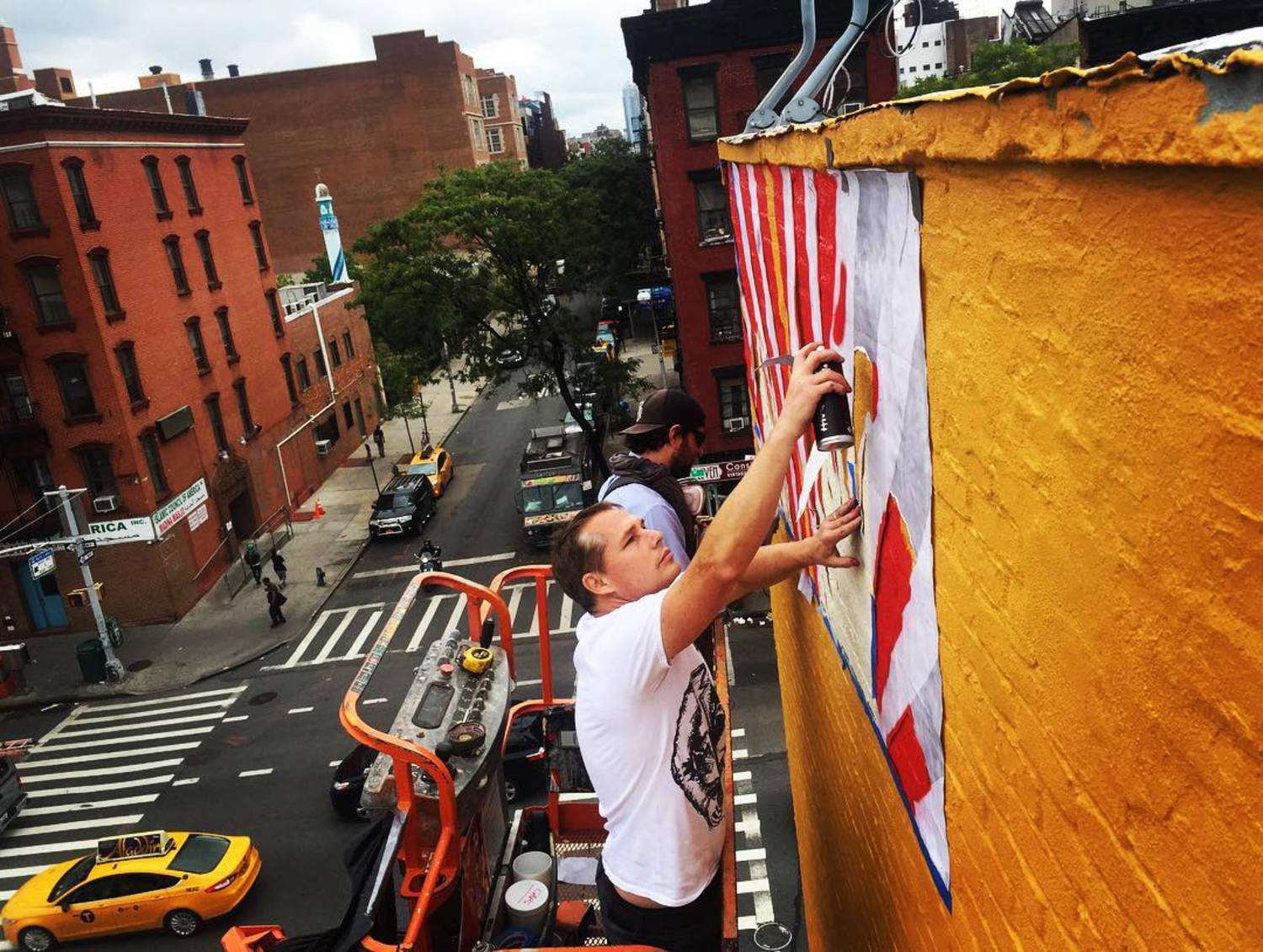 Starting a new #mural in #NYC. #obeygiant #shepardfairey #publicart #thelisaproject @thelisaprojectnyc