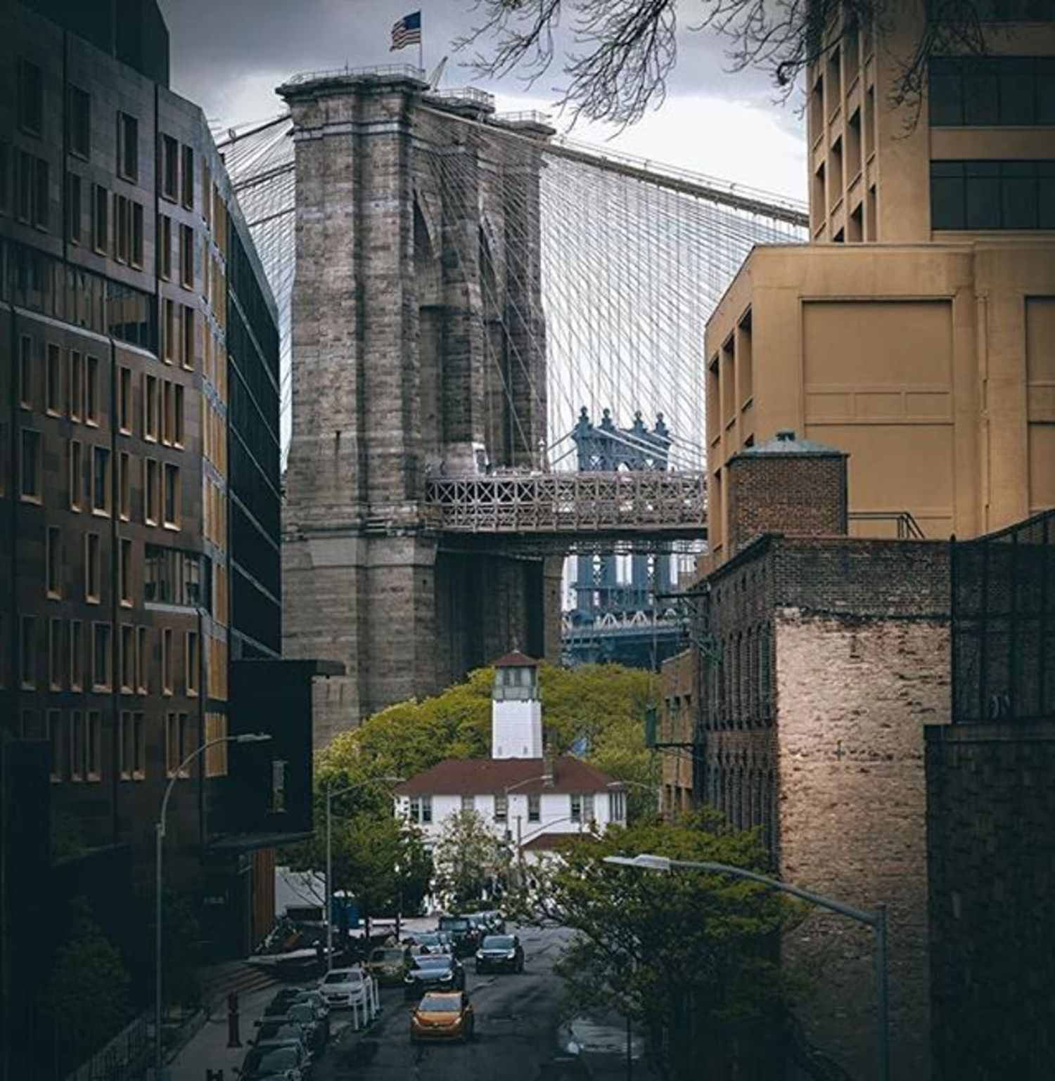 Brooklyn Bridge. Photo via @bklyn_block #viewingnyc