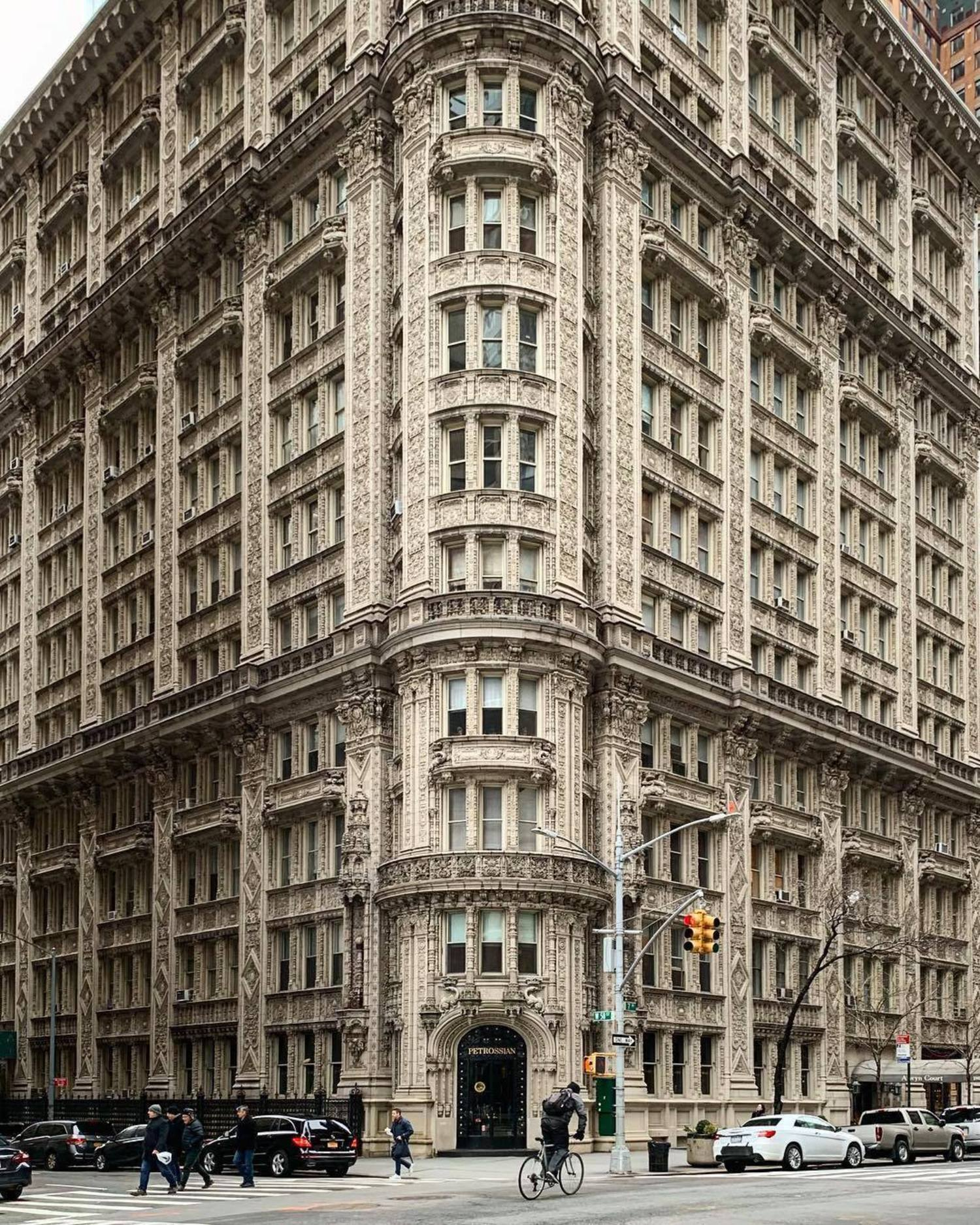 Alwyn Court, Midtown, Manhattan. Photo via @madufault #viewingnyc #nyc #newyork #newyorkcity #alwyncourt