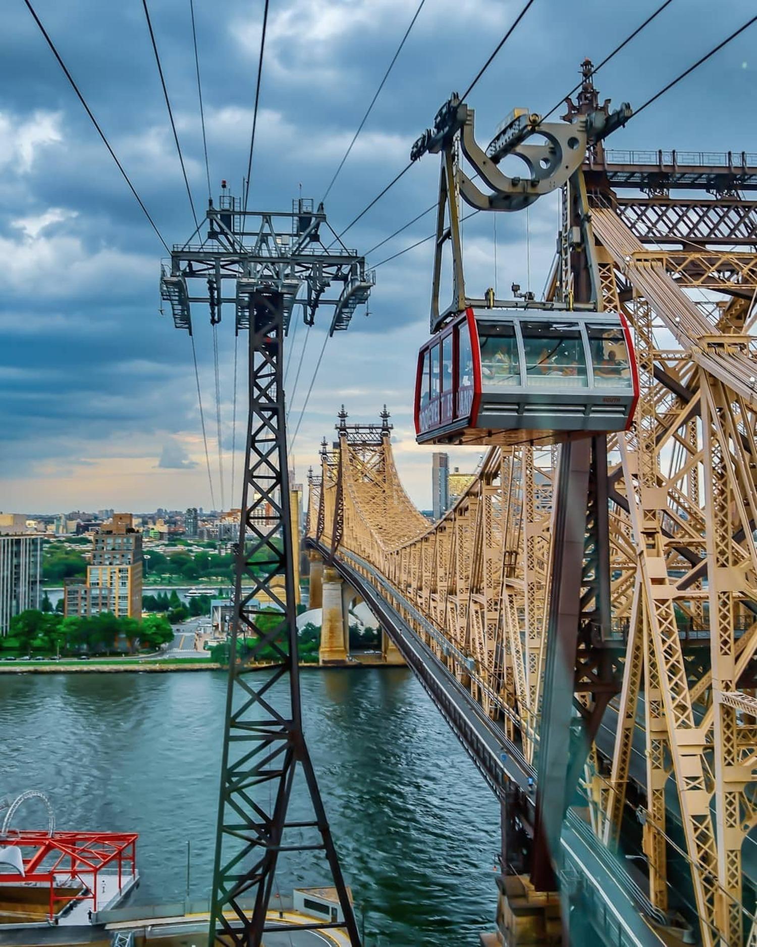 Roosevelt Island Tramway and Queensborough Bridge, New York, New York