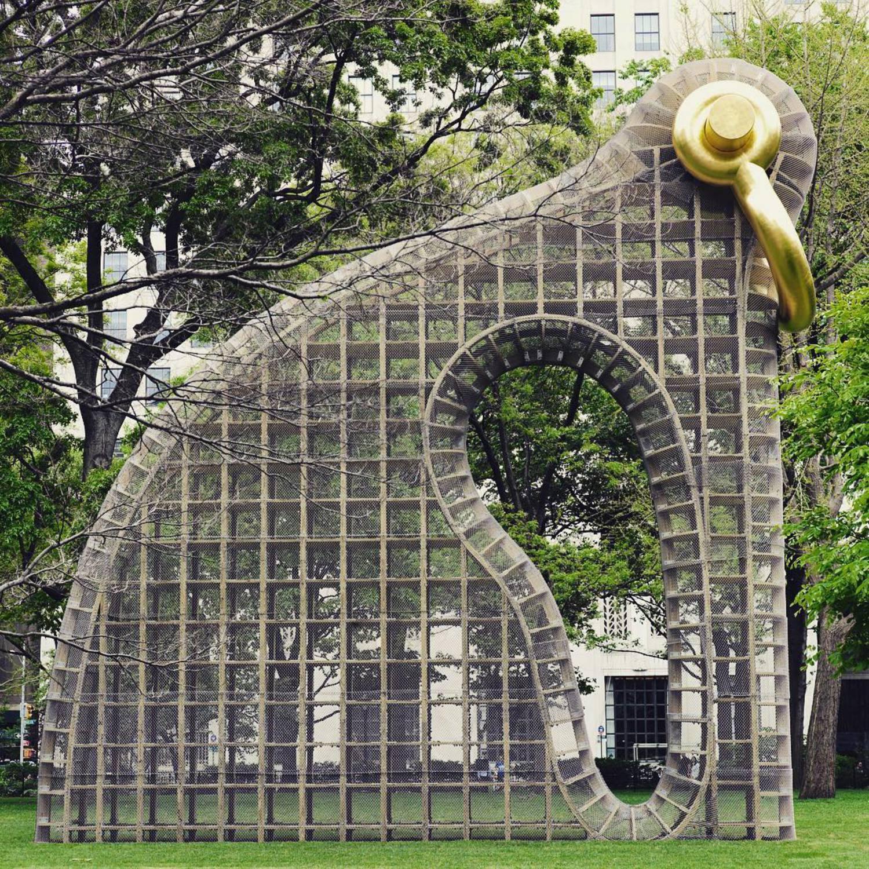 Big city big sculptures 🐘 #standtall #bigbling @madsqparknyc  #art