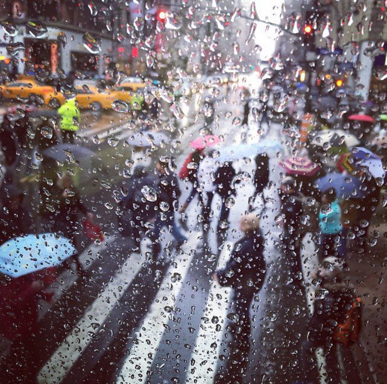 Morning rush... #NYC #rainyday #street #phototag_street #bestoftheday #cityscape #explore #follow #good #igers #ig_nyc #instanyc #just_newyork #justgoshoot #life #Manhattan #nypix #picoftheday #rain #view #RealEstate #readysetgo #city