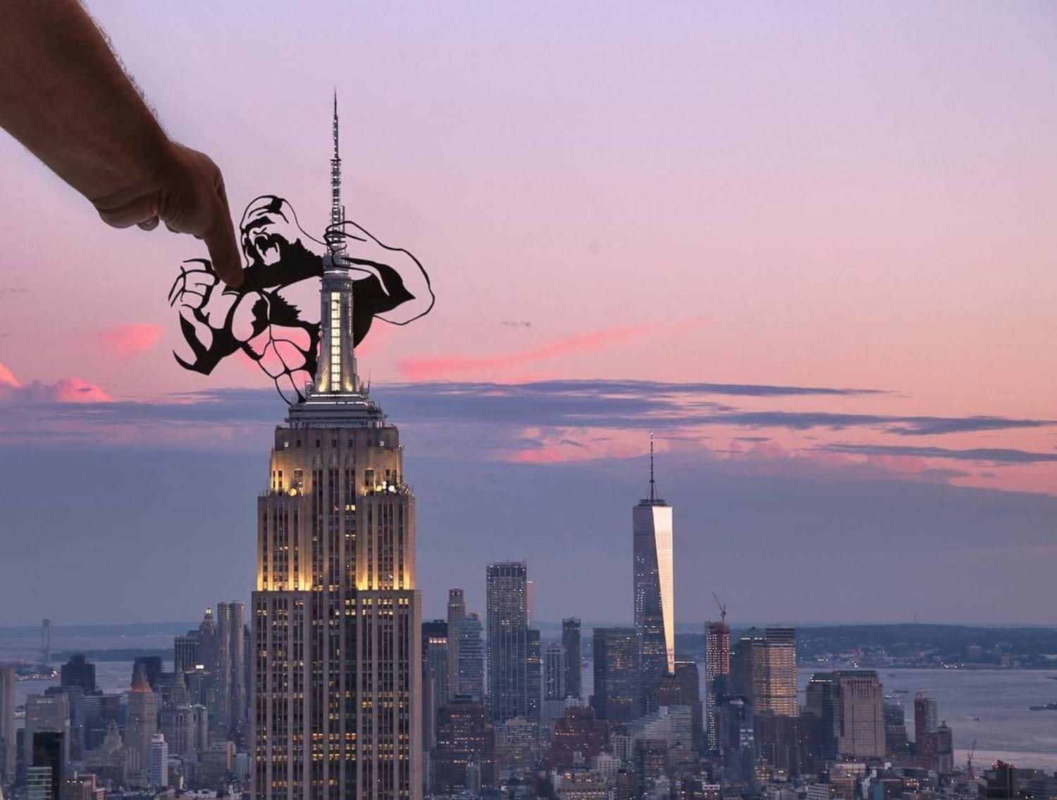 I had to put King Kong on the Empire State whilst I was in the city 🦍 I'm happy to say @uncommongoods are exclusively selling a selected range of my photographs (including this one). Head over to their Instagram throughout the day to see which prints are available or head to their website & search paperboyo #nyc #newyork #kingkong #empirestatebuilding