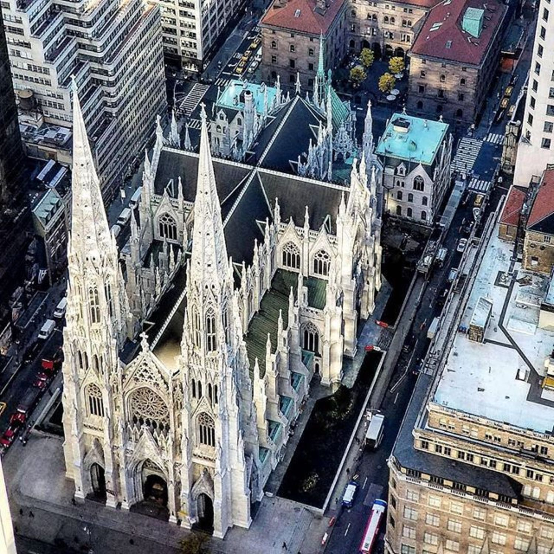 St. Patrick's Cathedral. Photo via @qwqw7575 #viewingnyc #newyork #newyorkcity #nyc #stpatrickscathedral