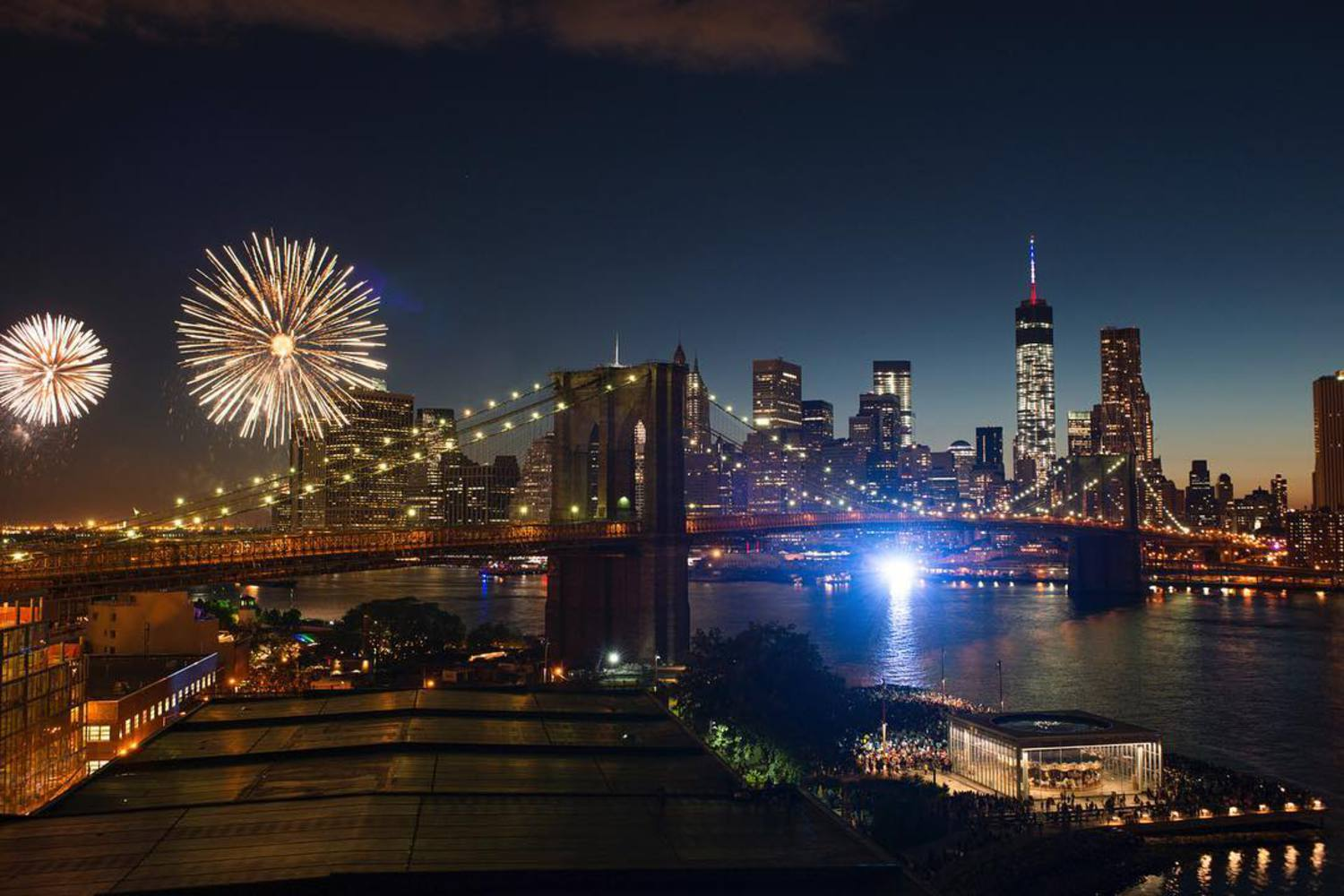 Last year's fireworks over the East River. Happy #FourthOfJuly! #ILoveNY