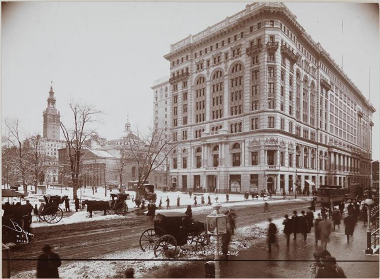 Madison Square Park and Metropolitan Life Insurance Building, 1907