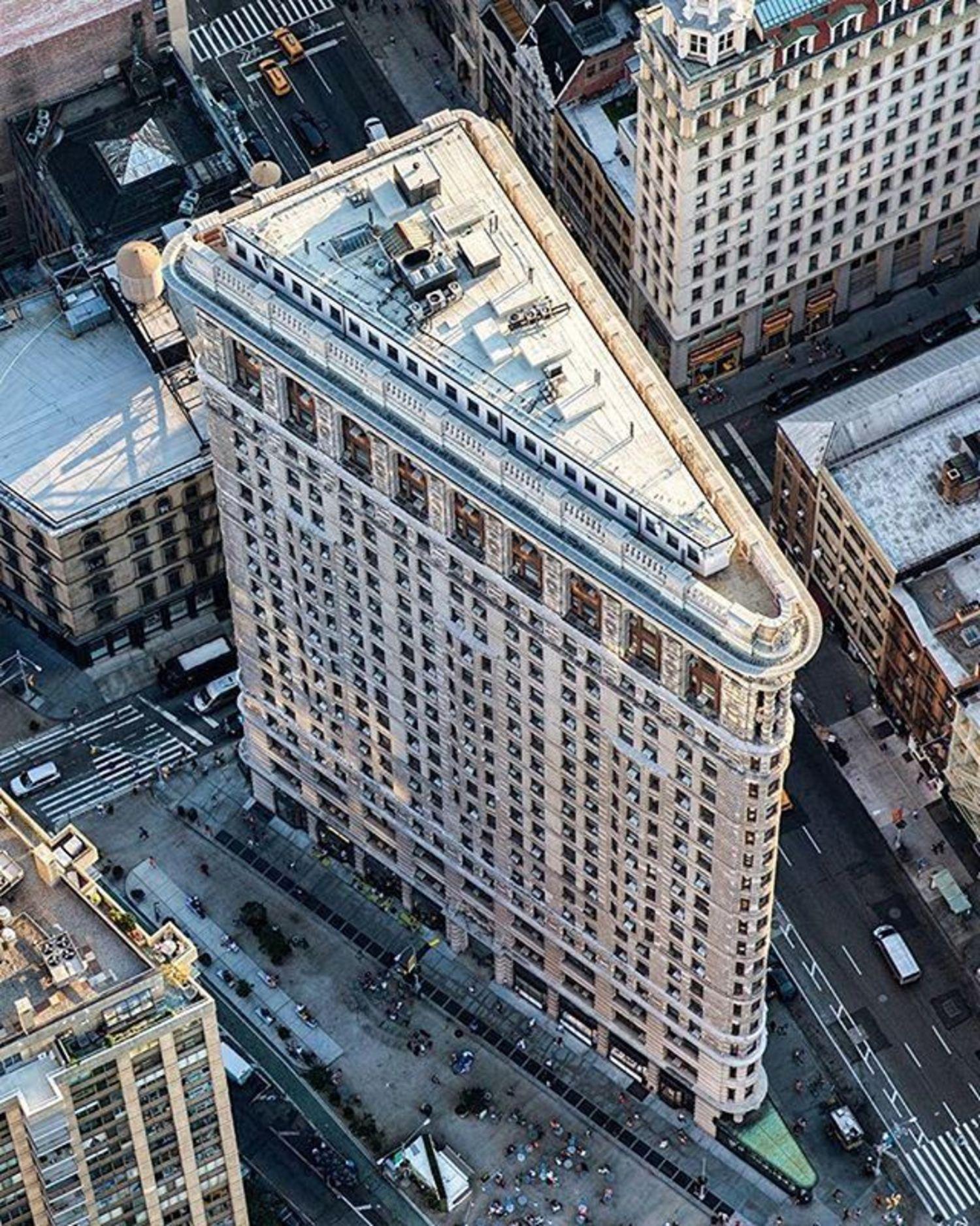 Flatiron Building, New York, New York. Photo via @mattpugs #viewingnyc #newyork #newyorkcity #nyc