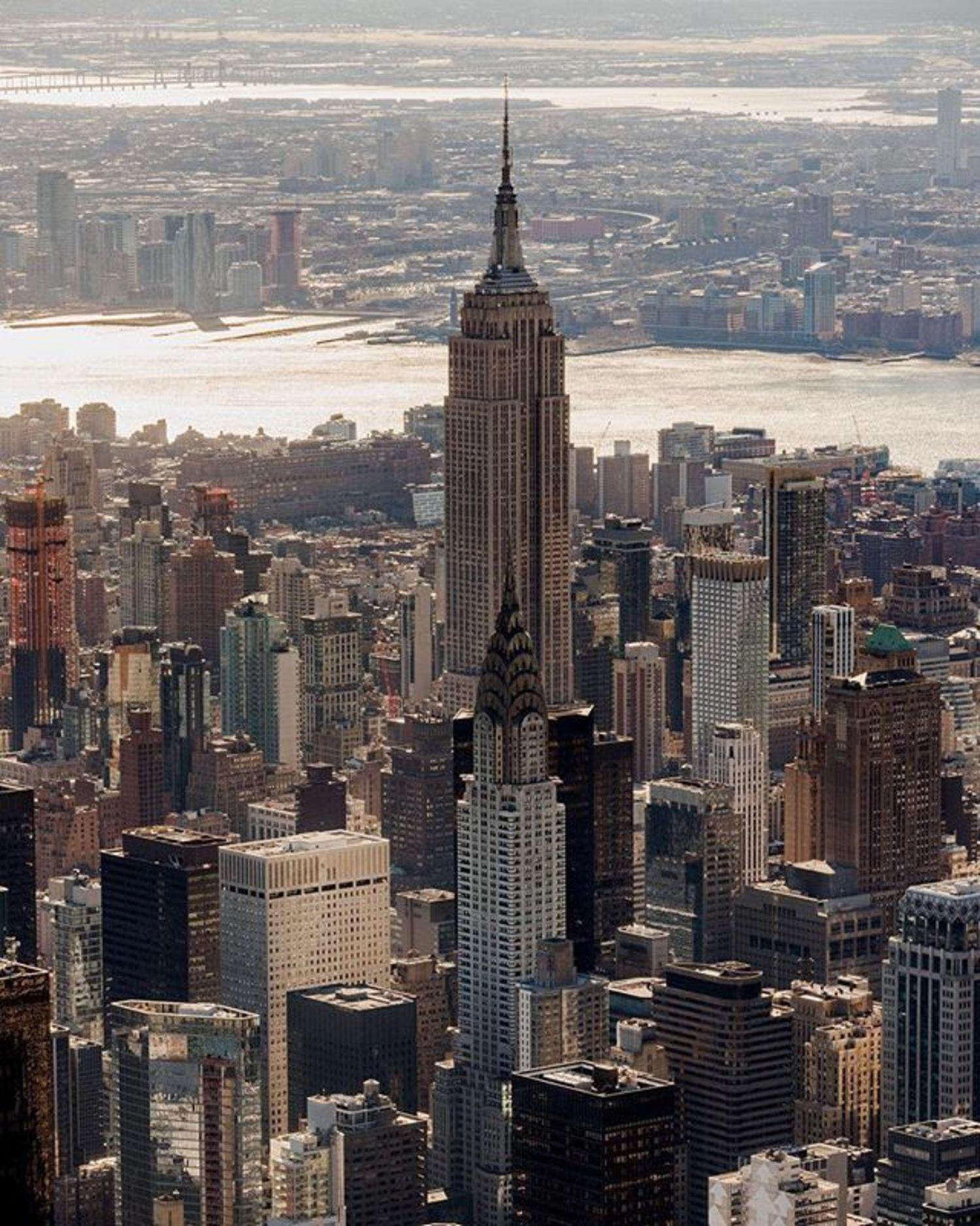 Empire State Building, New York, New York. Photo via @flynyon #viewingnyc #newyorkcity #newyork #nyc #empirestatebuilding