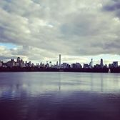 Jacqueline Kennedy Onassis Reservoir, Central Park, New York. Photo via @jxchen_ #viewingnyc #newyorkcity #newyork