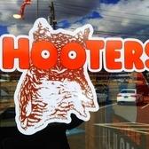 Hooters Restaurant