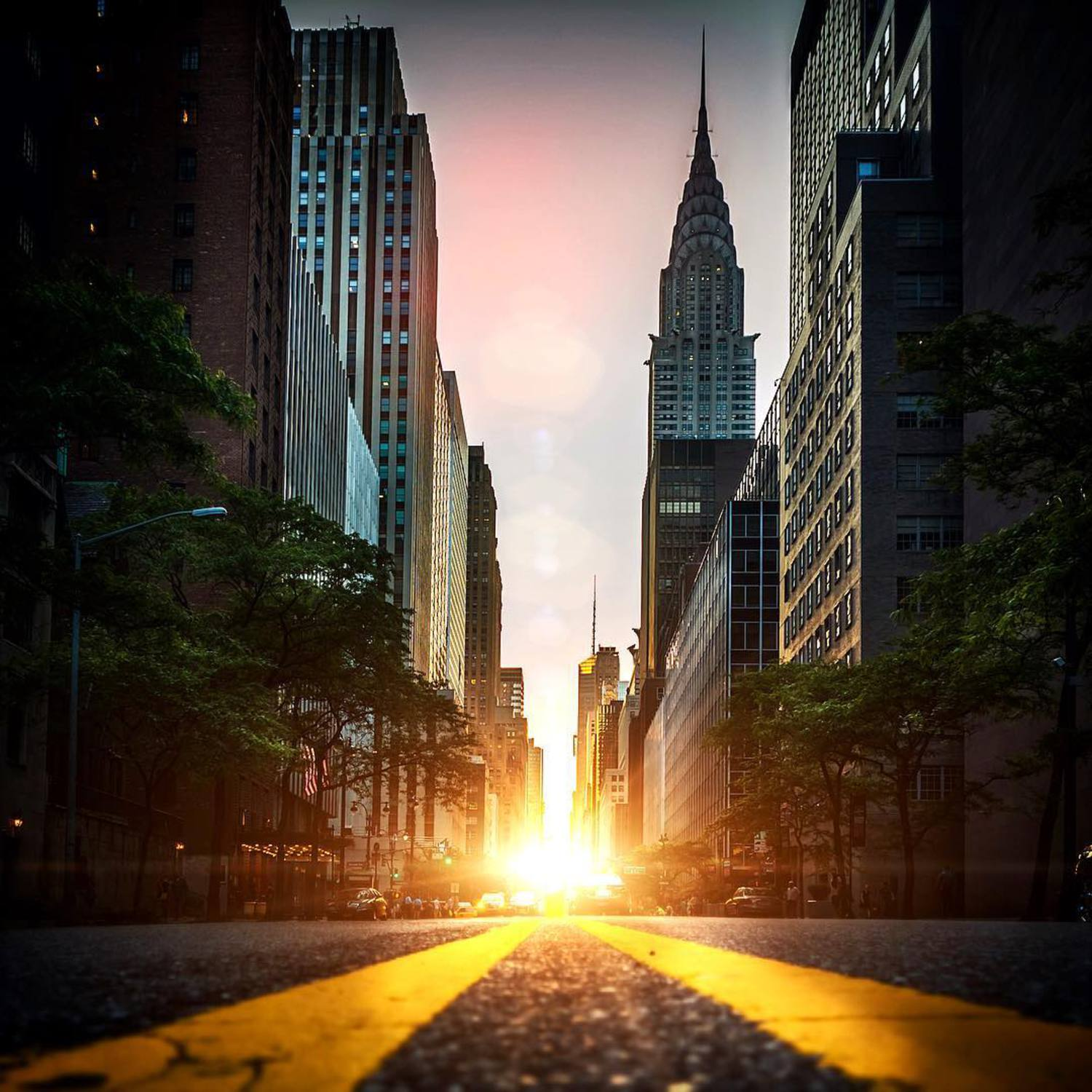 Who's ready for this years #manhattanhenge ? #CNNSpace #NBC4NY #newyorkcity #nycprimeshot #iloveny #nycpassion #ilovenewyork #buildingstylesgf #nybynewyorkers #empathynyc #instagramnyc #iheartnewyorkny #bestofnewyork #lovenyc #photowall #photooftheday #postcardsfromtheworld #imagesofnyc #insta_america #vibrant_globe #the_visionaries #myCity_life #Jaw_dropping_shotz #Splendidshots #Photowall #Hot_shot