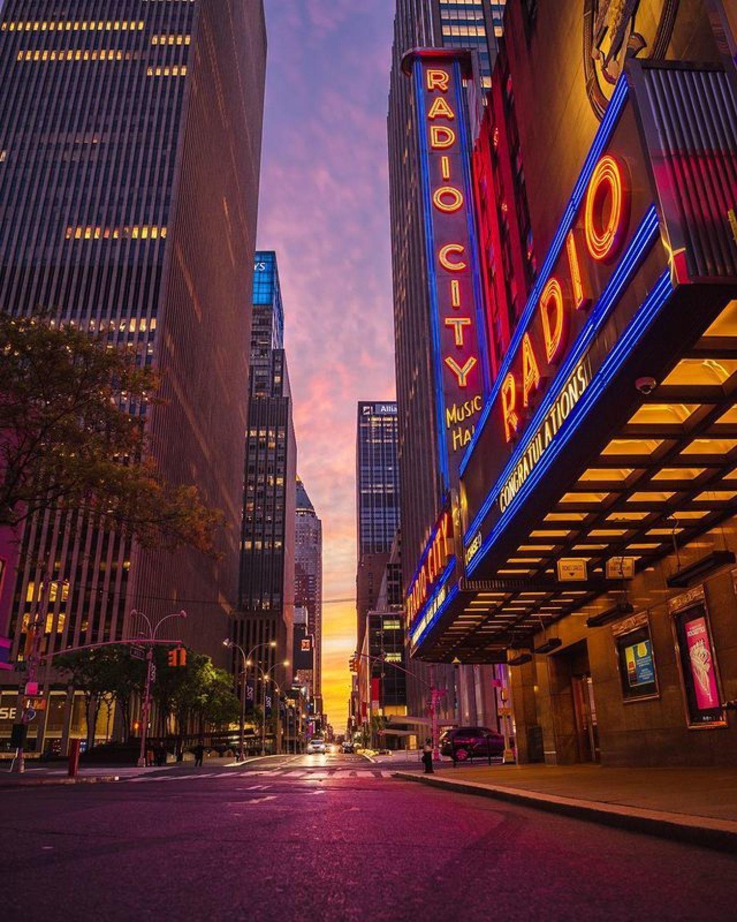 Radio City Music Hall, 6th Avenue, Midtown, Manhattan