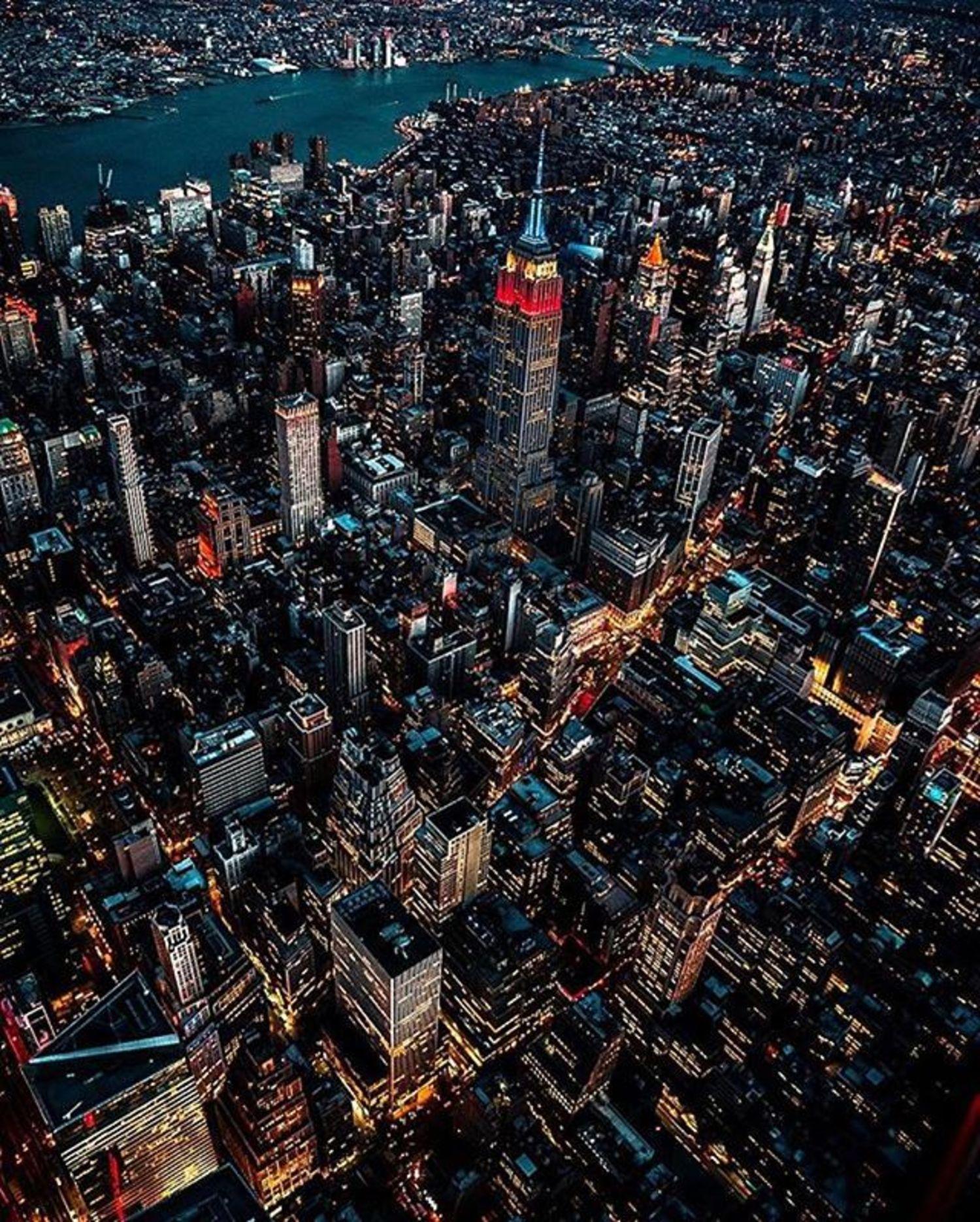 Photo via @nova.york #viewingnyc